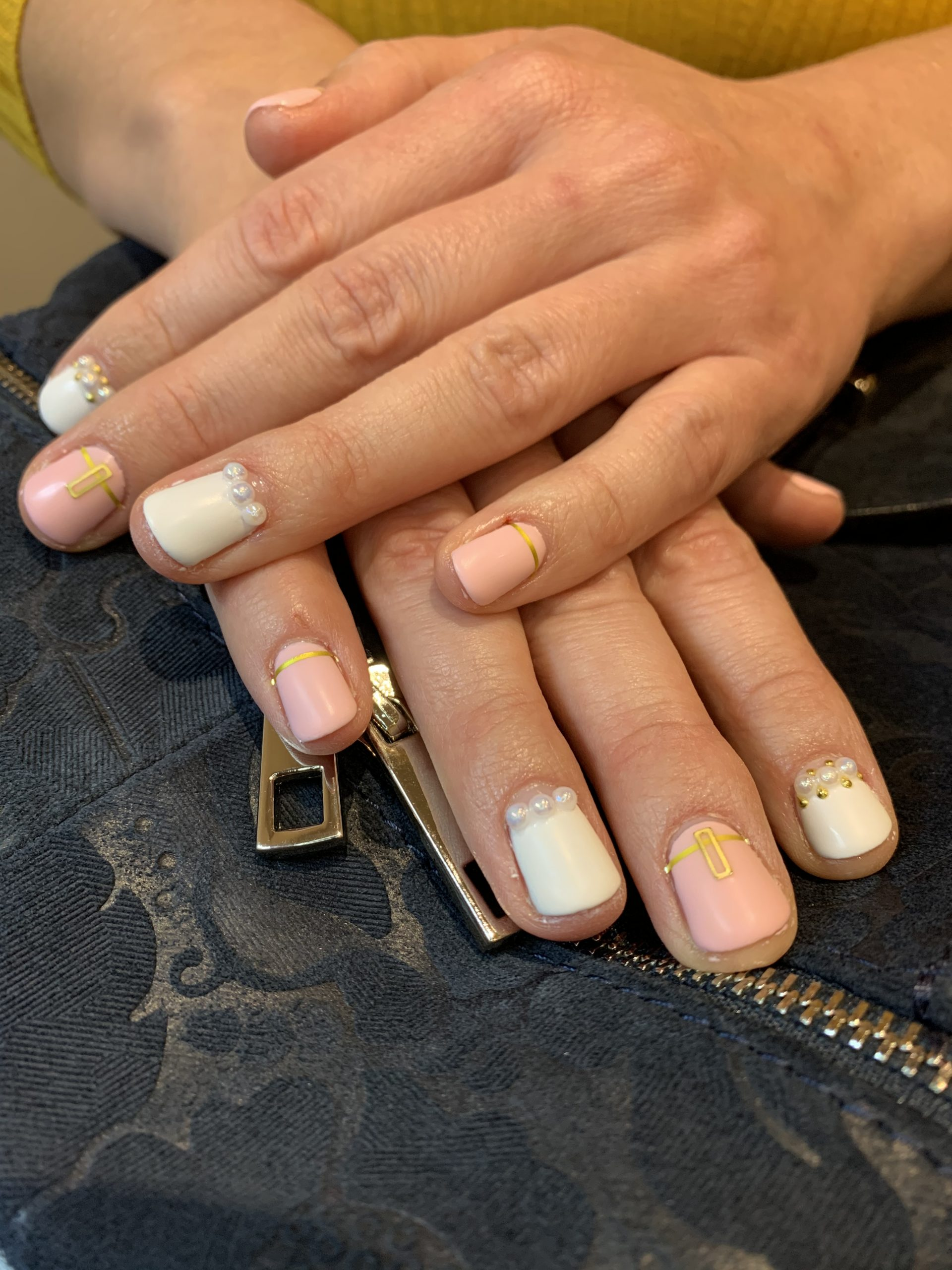 Shellac - wedding nail with art and matt finish