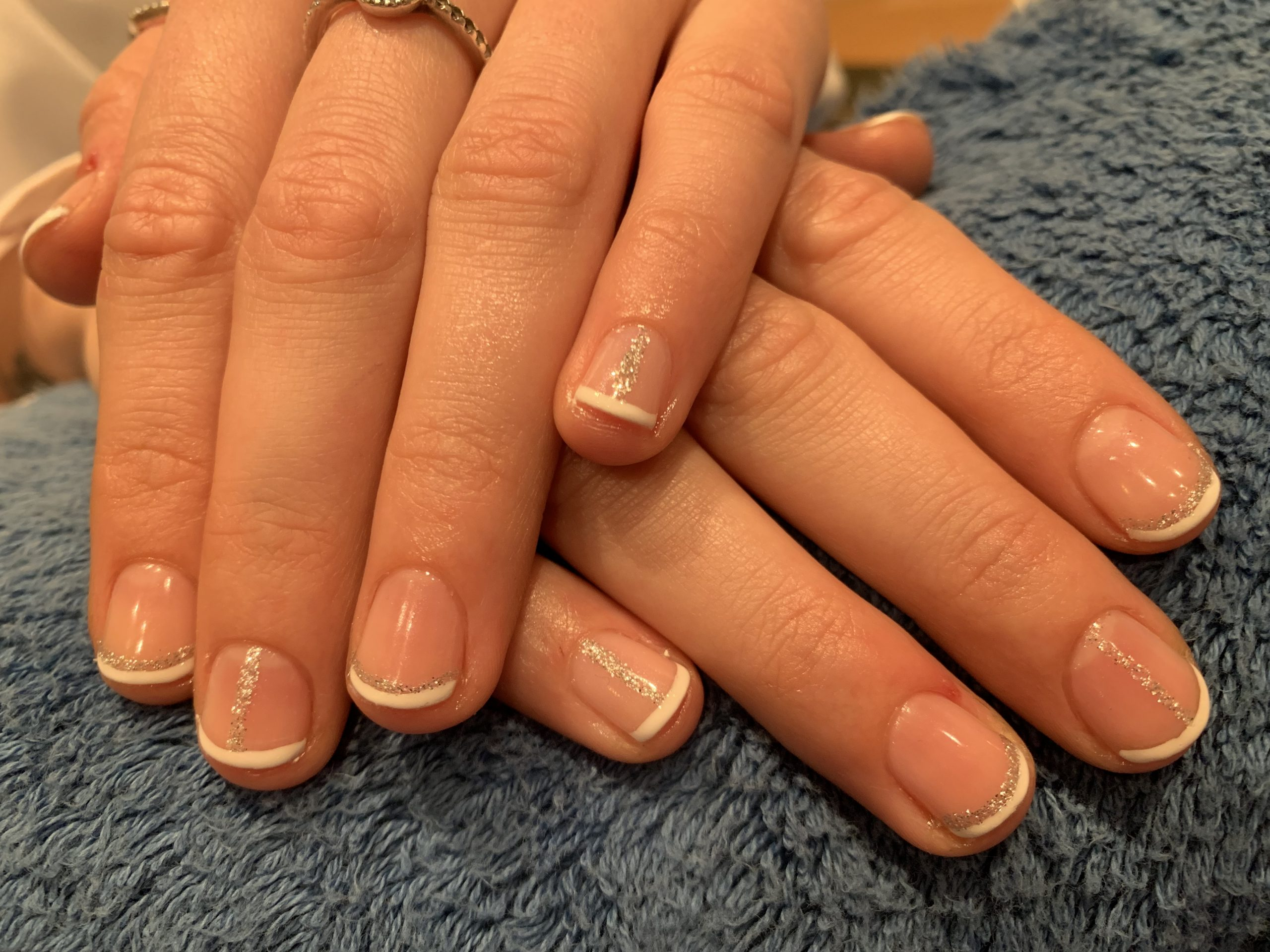 Shellac french polish with glitter detail