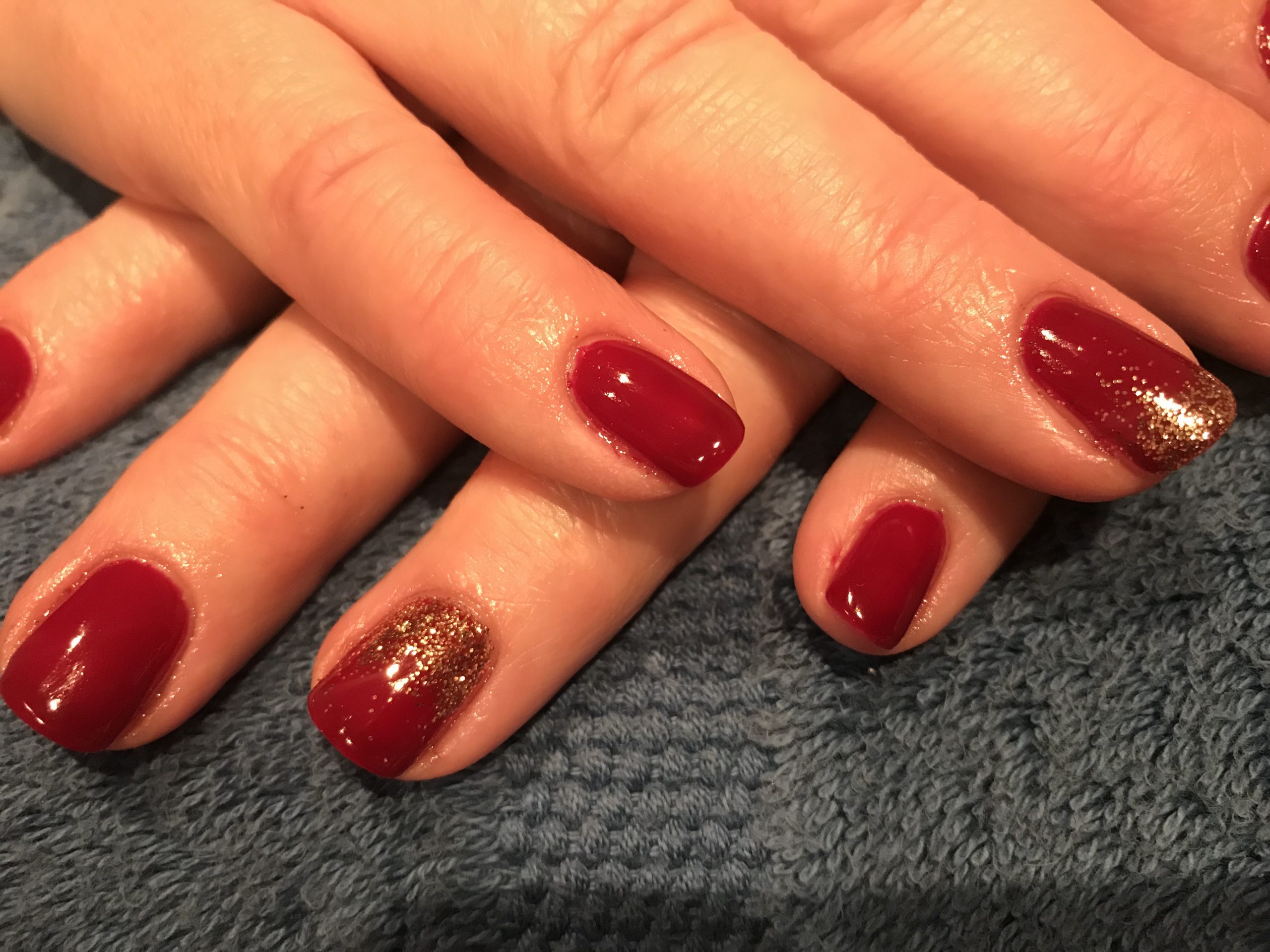 Shellac with Lecenté glitter fade