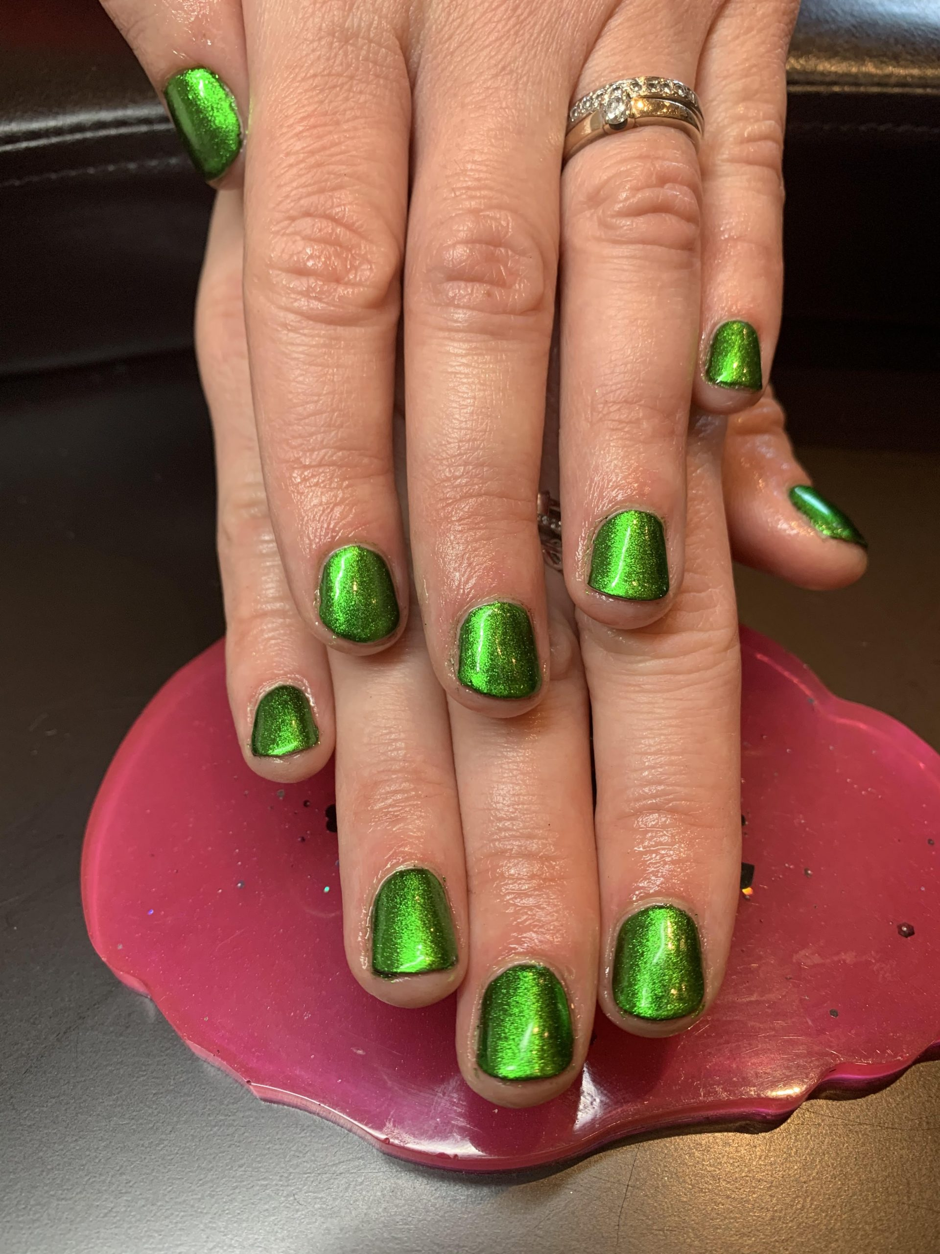 green nails, chrome nails, christmas nails, CND Shellac, nail art, nail pro, nail artist, nail technician, gel nails, shellac nails, acrylic nails, ware, mobile